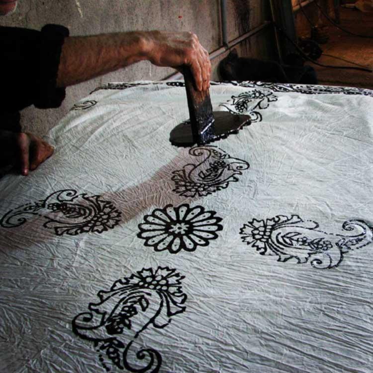 چاپ کلاقهای بر روی پارچه به روش مهری